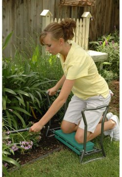 Yard Butler GKS-2 Garden Kneeler and Seat in use