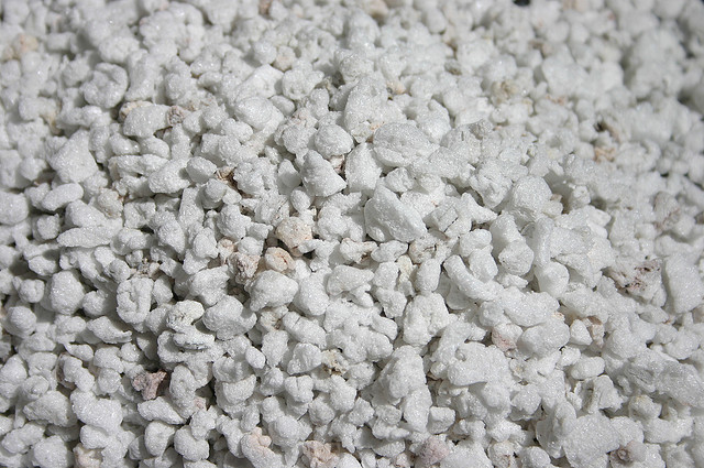 Vermiculite For Plants Perlite and Ver...